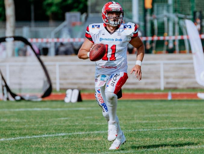 29.06.2021: Sonny Weishaupt knackt 10.000 Passing Yards Marke